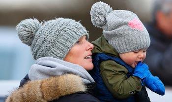 Zara Phillips confiesa que la reina Isabel adora pasar ratos con sus bisnietos