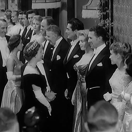 El día que la reina Isabel II de Inglaterra conoció a Marilyn Monroe