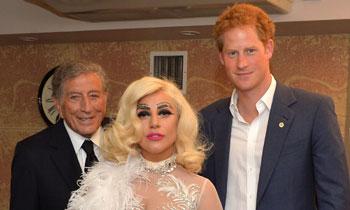 El príncipe Harry conoce a Lady Gaga mientras se prepara para una nueva aventura