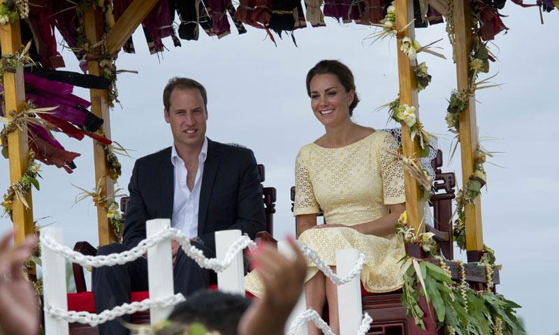 ¡'Bye bye'! ¿Qué lleva en la maleta la Duquesa de Cambridge para su exótico viaje?