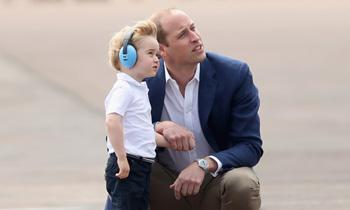El príncipe George, el 'mini-yo' del príncipe Guillermo, cumple tres años