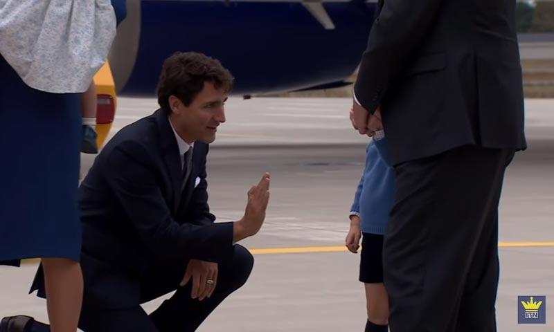 El momento en el que el pequeño George de Cambridge le niega un 'choca los cinco' al Primer Ministro de Canadá