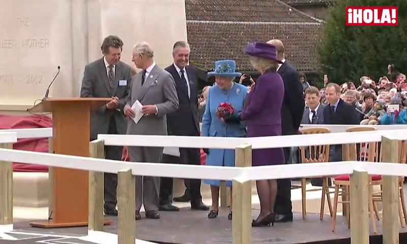 Una inauguración con mucho significado para la reina Isabel