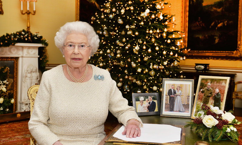 Isabel II obligada a cancelar sus planes de viaje en Navidad por problemas de salud