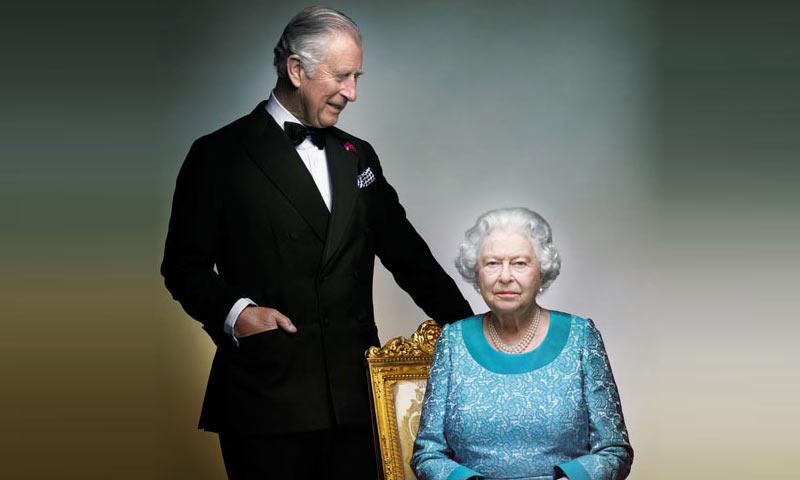 Una broma detrás del último retrato oficial de Isabel II y el príncipe Carlos