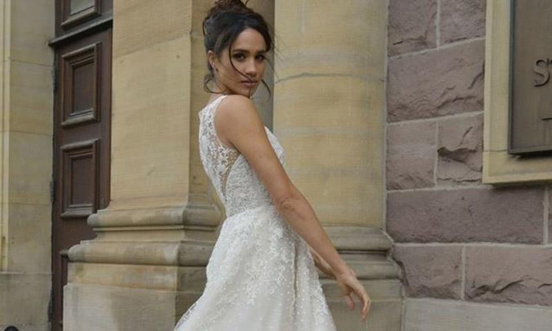 Meghan Markle escoge su vestido de novia... ¡al menos en la ficción!