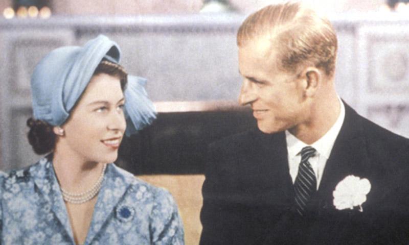 Los gestos más románticos del Duque de Edimburgo hacia la reina Isabel