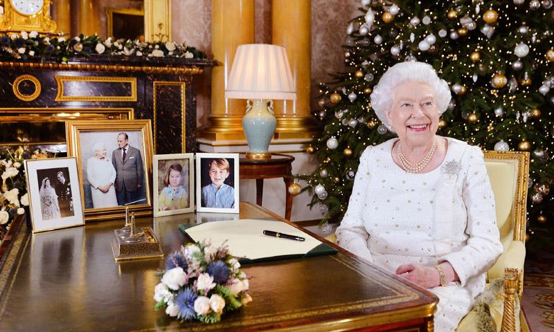 La Reina de Inglaterra hace un hueco a Meghan Markle en su discurso de Navidad