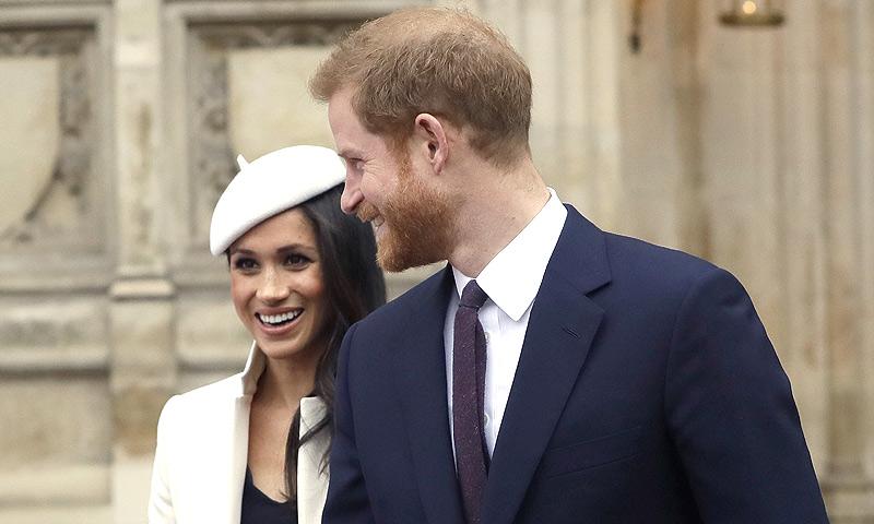 La reina Isabel II da su consentimiento oficial a la boda de Meghan Markle y Harry de Inglaterra