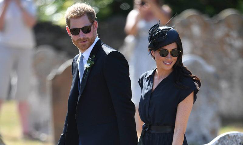meghan markle y el príncipe harry, juntos en la boda de charlie van