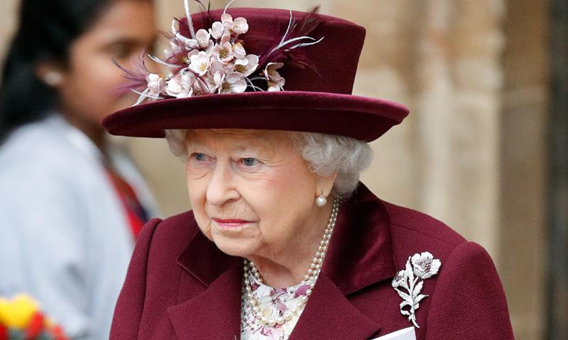 Isabel II pierde a su médico personal, Peter Fisher, en un trágico accidente de tráfico
