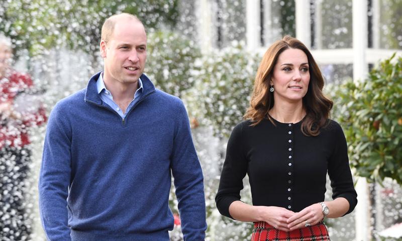 Los duques de Cambridge inauguran la Navidad en Kensington