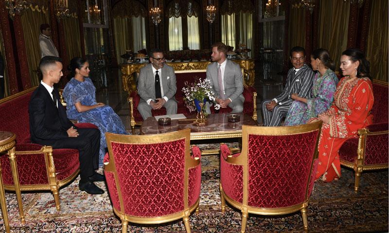 Los duques de Sussex, recibidos de forma inesperada por el Rey de Marruecos y su familia
