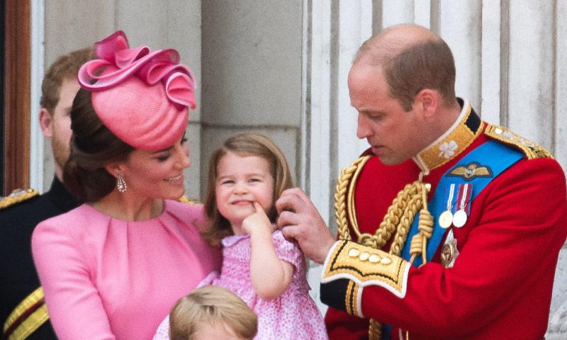 El príncipe Guillermo confiesa sus dificultades como 'peluquero' de su hija Charlotte