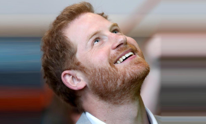 Harry de Inglaterra está 'emocionado' ante el inminente nacimiento de su bebé, según cuenta una amiga de la familia