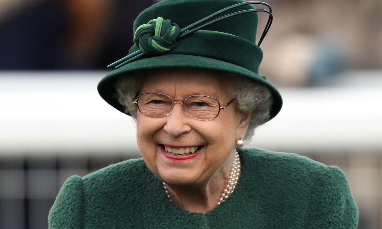 Oferta de empleo: se busca director de redes sociales para la reina Isabel II