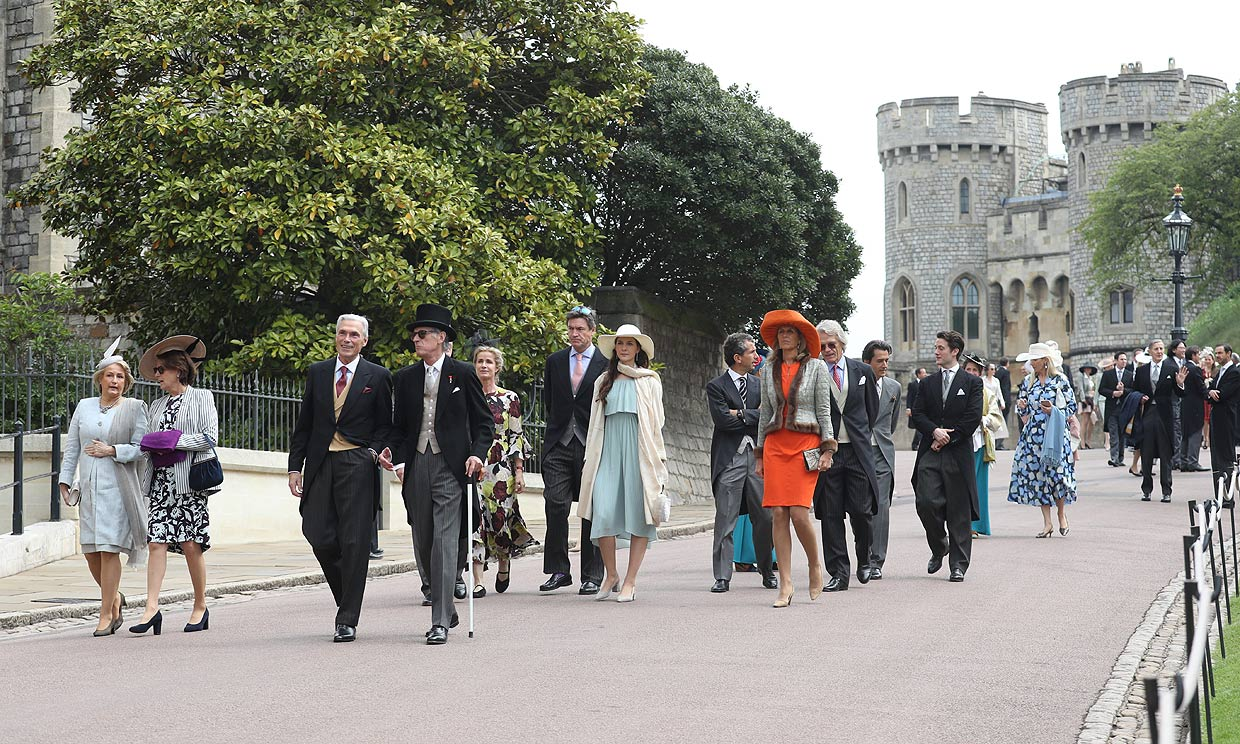El colorido desfile de invitados en la boda de Lady Gabriella Windsor y Thomas Kingston