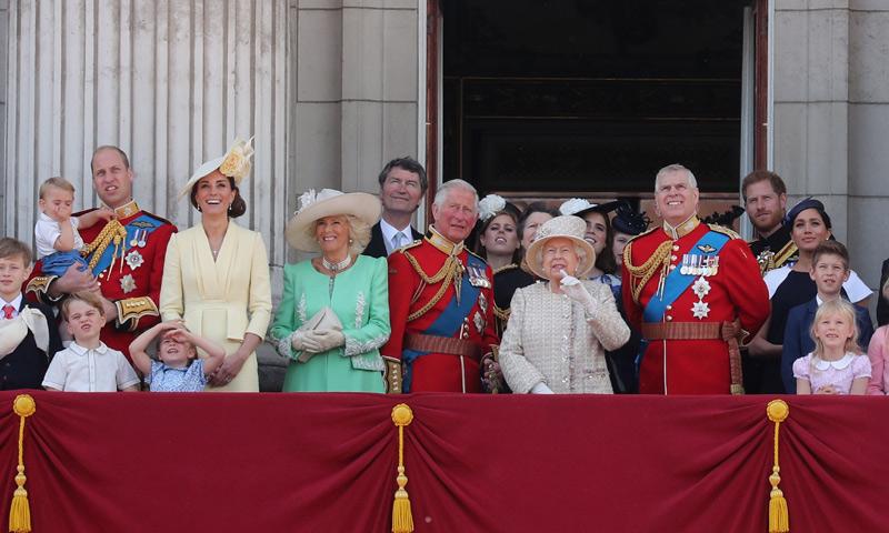 Todos los detalles y las anécdotas más curiosas del desfile 'Trooping the colour' en 90 segundos