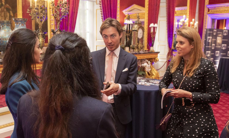 Edoardo Mapelli, completamente integrado en la familia de Beatriz de York en un acto oficial