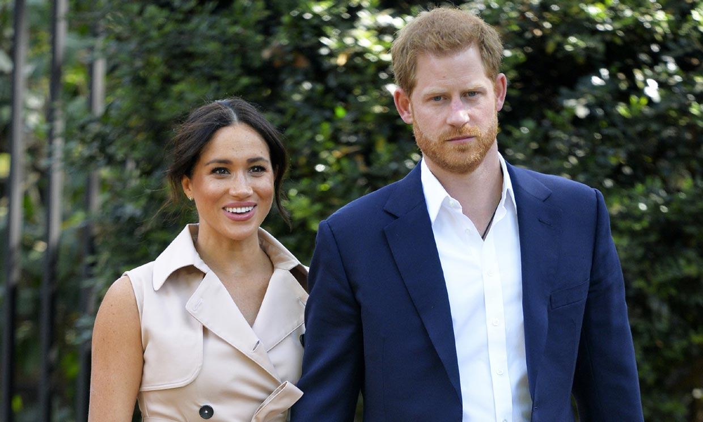 El príncipe Harry demanda a dos tabloides por pinchar sus teléfonos