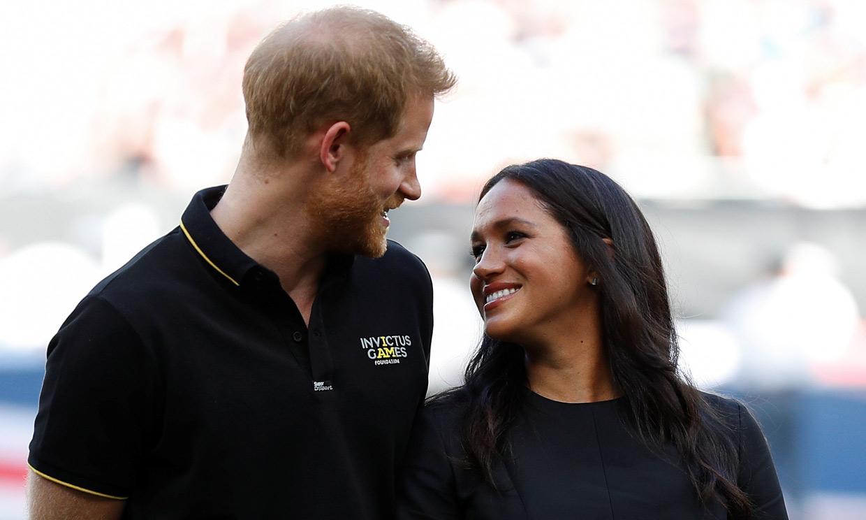 El príncipe Harry hace de cartero con un emotivo mensaje de Meghan
