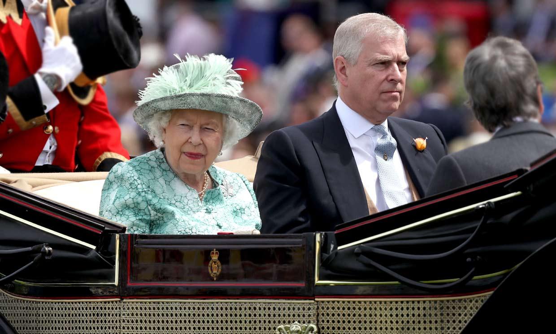 Isabel II se enfrenta a su peor crisis desde la década de los años noventa