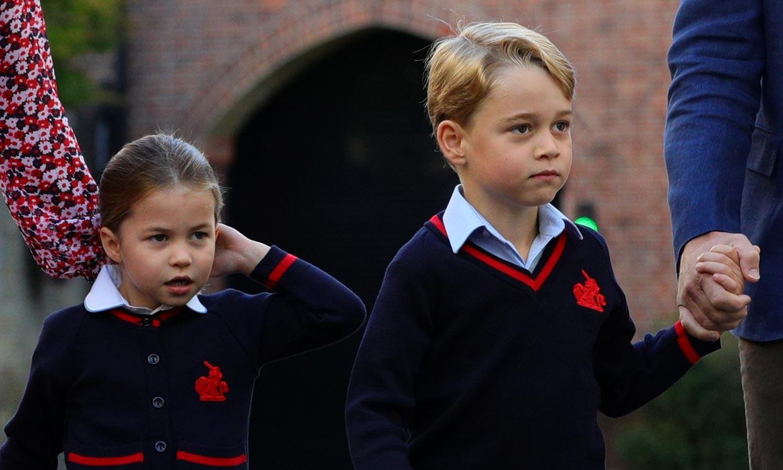 El duque de Cambridge revela la 'rivalidad' entre los príncipes George y Charlotte