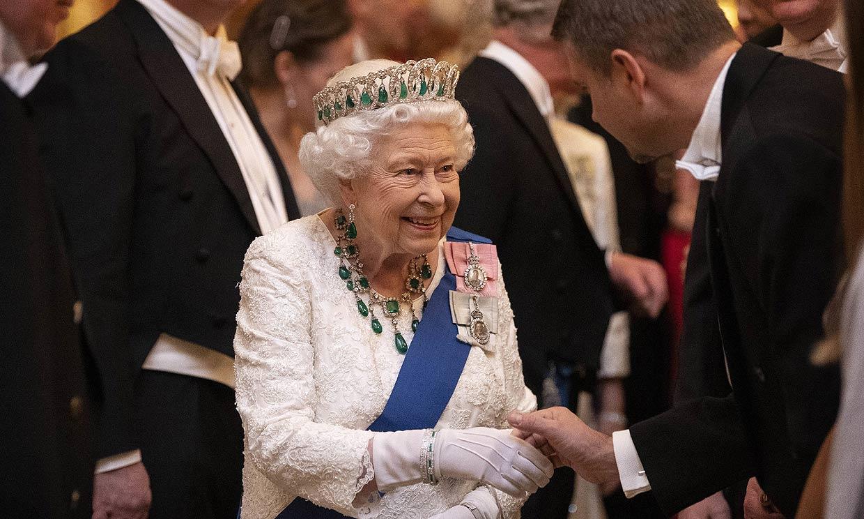 ¡'Glamour' en Buckingham! La Familia Real luce sus mejores galas para agasajar al cuerpo diplomático