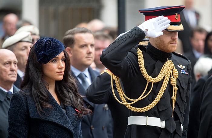 Isabel II apoya a Harry y Meghan