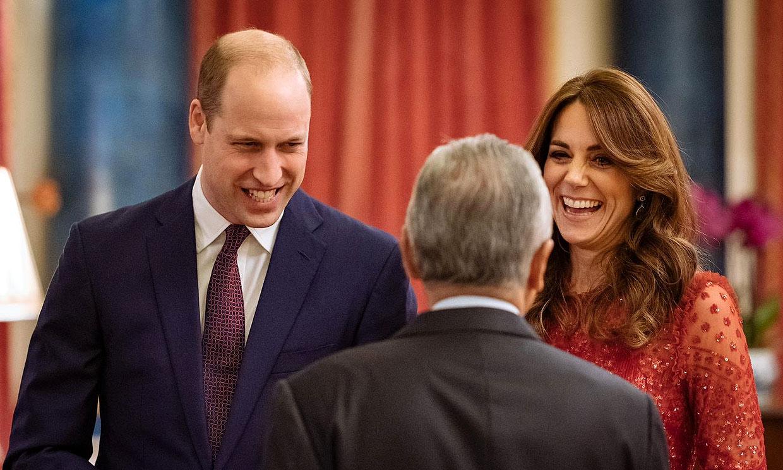 Sin Isabel II y con un príncipe nostálgico: los duques de Cambridge ejercen de anfitriones en Buckingham