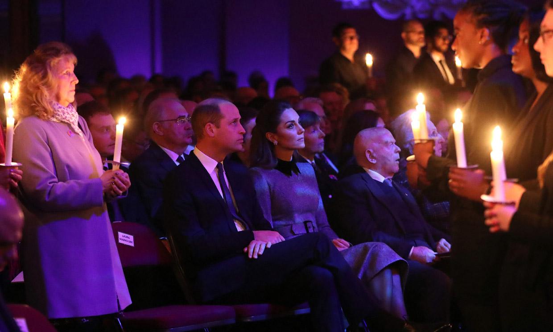 Guillermo de Inglaterra rinde un emotivo homenaje a su bisabuela en el servicio del Día de los Caídos del Holocausto