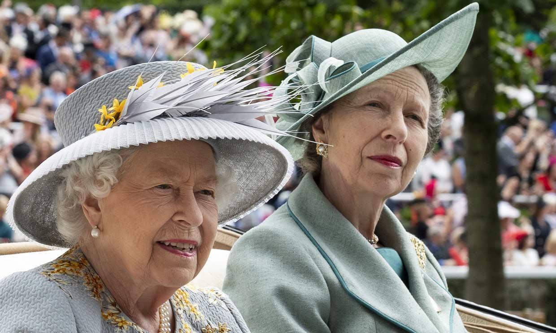 El conmovedor gesto de Isabel de Inglaterra hacia el hombre que salvó la vida de la princesa Ana