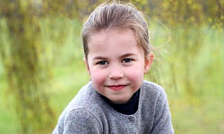 La duquesa de Cambridge abre su álbum personal para compartir una foto inédita de Charlotte