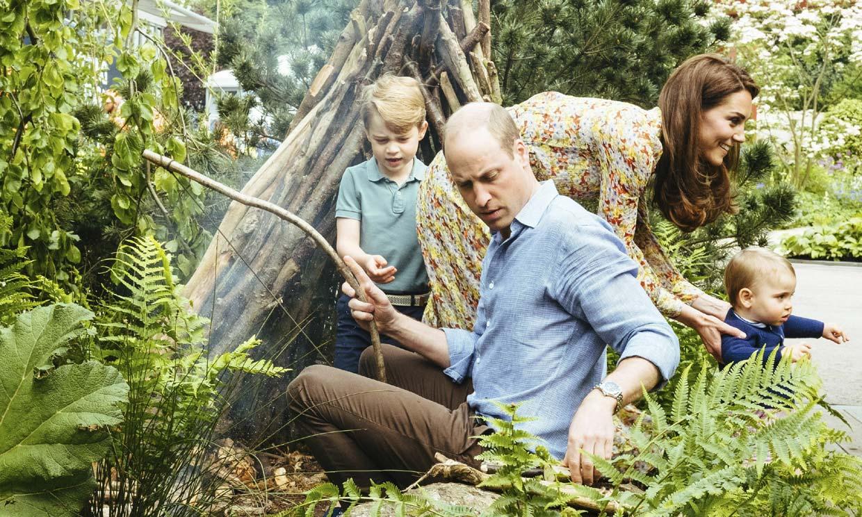 Entre corderitos y tractores, las vacaciones más campestres de los duques de Cambridge y sus hijos