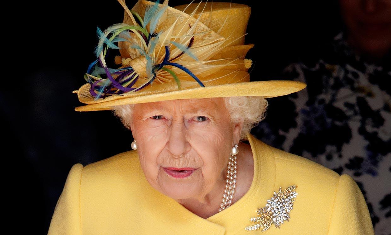 Isabel II convivió con una trabajadora de Buckingham que tiene coronavirus