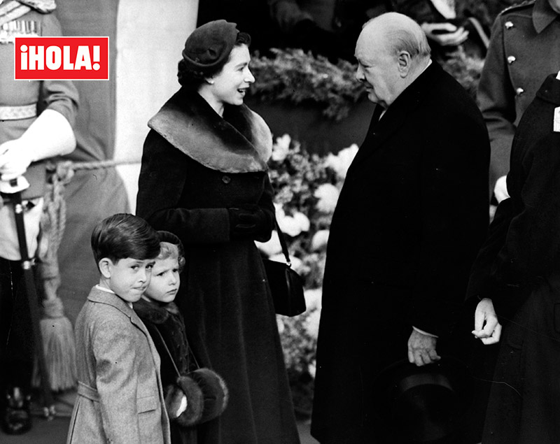 Isabel II y Winston Churchill