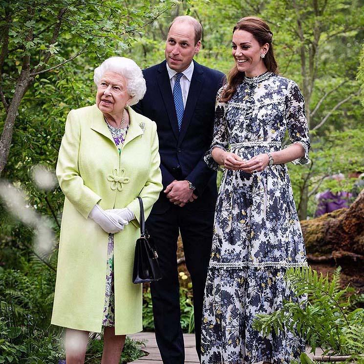 Los duques de Cambridge y el príncipe Carlos felicitan a la Reina con las imágenes más entrañables