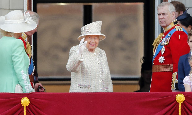 Un regalo en formato mini para Isabel II, una Reina de récords