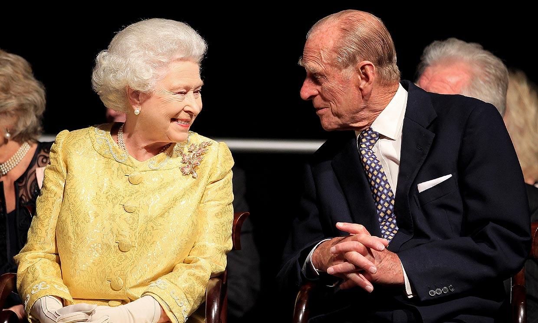 Isabel II y el duque de Edimburgo, del flechazo juvenil al amor eterno