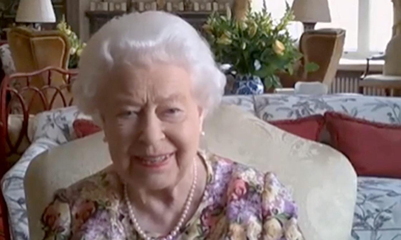 Isabel II, una Reina a la última, realiza su primera videollamada a los 94 años
