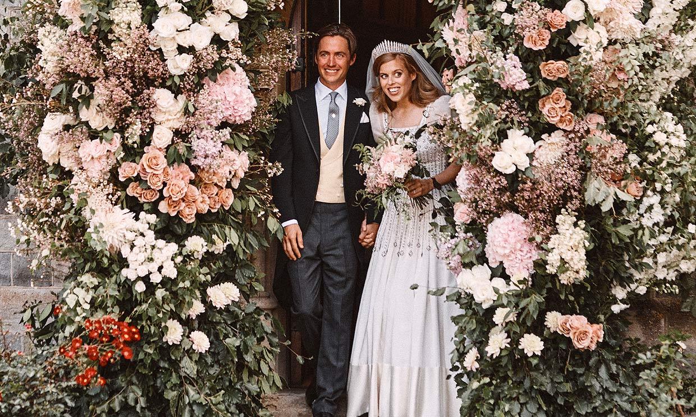 Las fotografías oficiales de la boda secreta de Beatriz de York y Edoardo Mapelli
