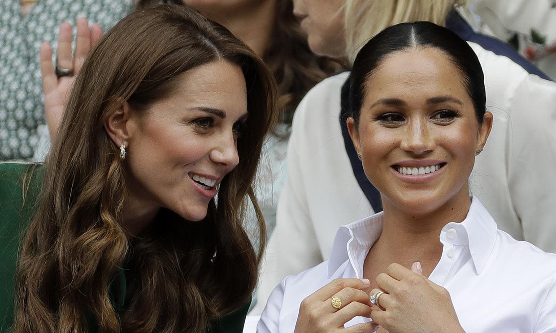 ¡Fuera rencillas! La Familia Real británica aparca las diferencias con Meghan para felicitarla
