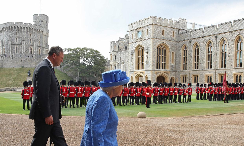 Las maniobras de Isabel II para que le salgan las cuentas