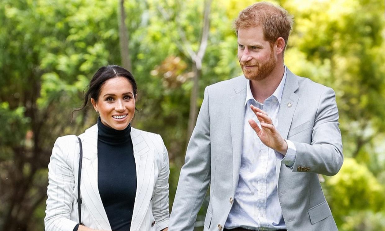 La duquesa de Sussex rompe el eterno tabú de la realeza: 'Hola, soy Meg, ¿vas a votar?'