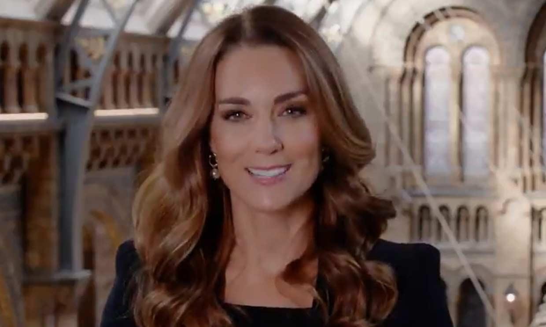 La duquesa de Cambridge 'ejerce' de presentadora de televisión