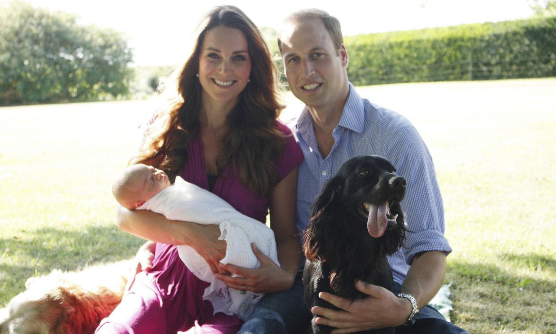Los Duques de Cambridge lloran la muerte de su perro Lupo, protagonista de sus mejores posados