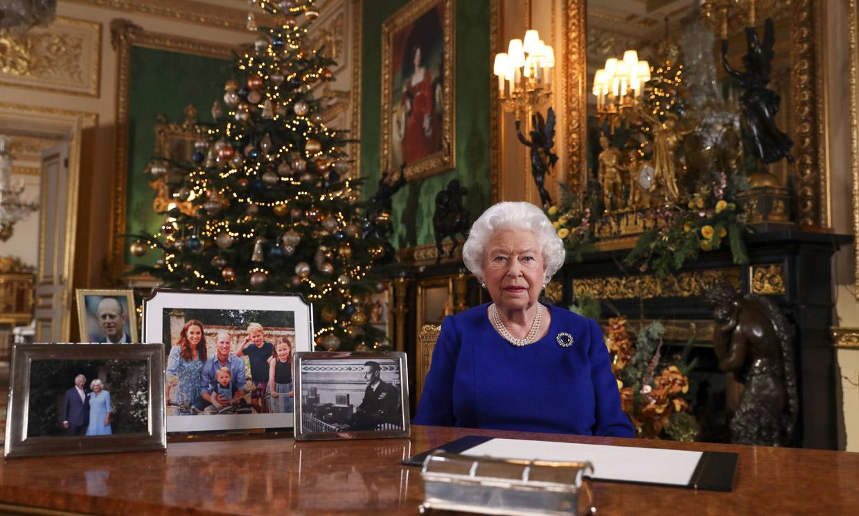 Isabel II anula otra tradición: cancela el acto de entrega de aguinaldos