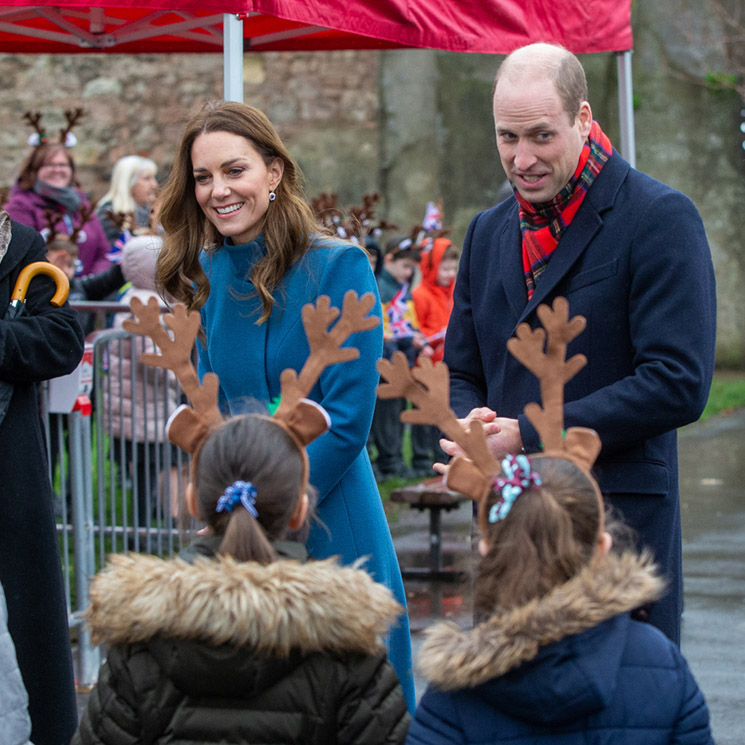 Los duques de Cambridge inician su tour real en tren inspirados en don Felipe y doña Letizia