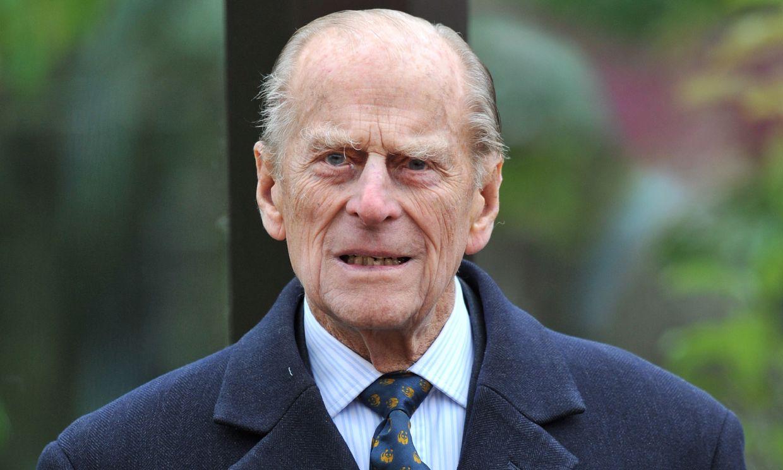 El duque de Edimburgo, ingresado en un hospital como 'medida de prevención'
