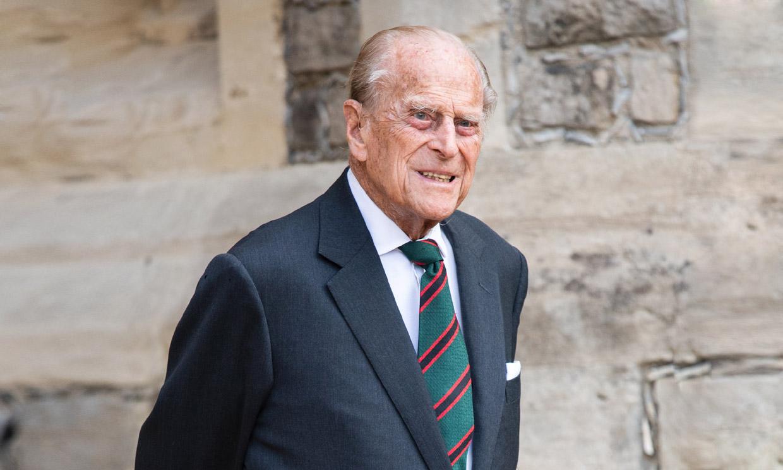 Felipe de Edimburgo, de 99 años, permanecerá en el hospital unos días más